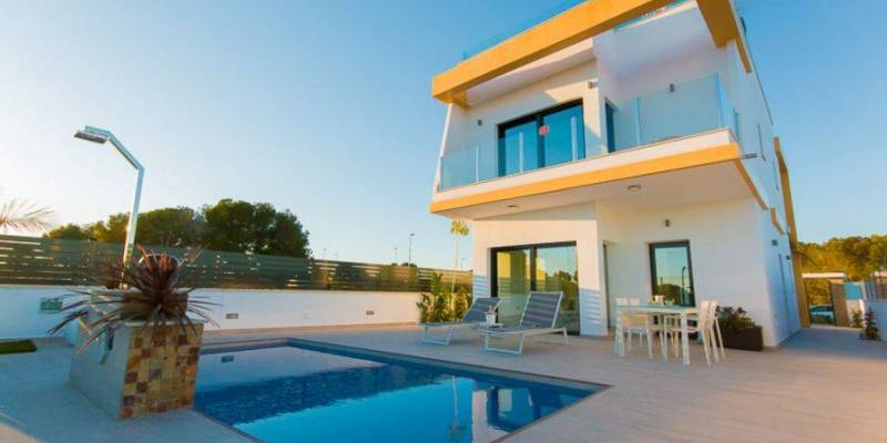 Surprise yourself with our villas in Pilar de la Horadada