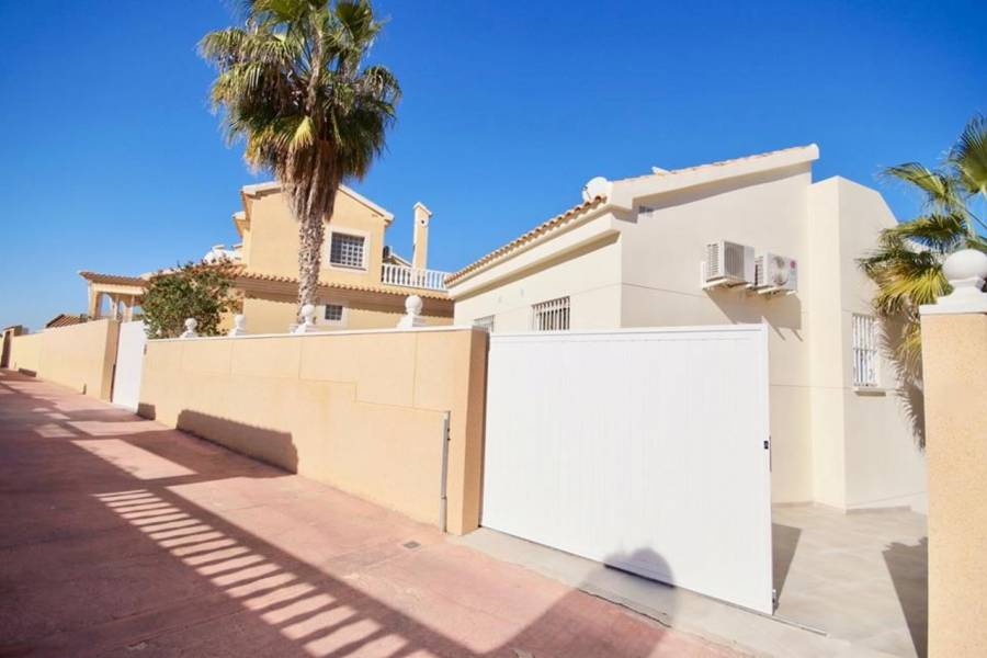 Resale - Detached - Los Altos