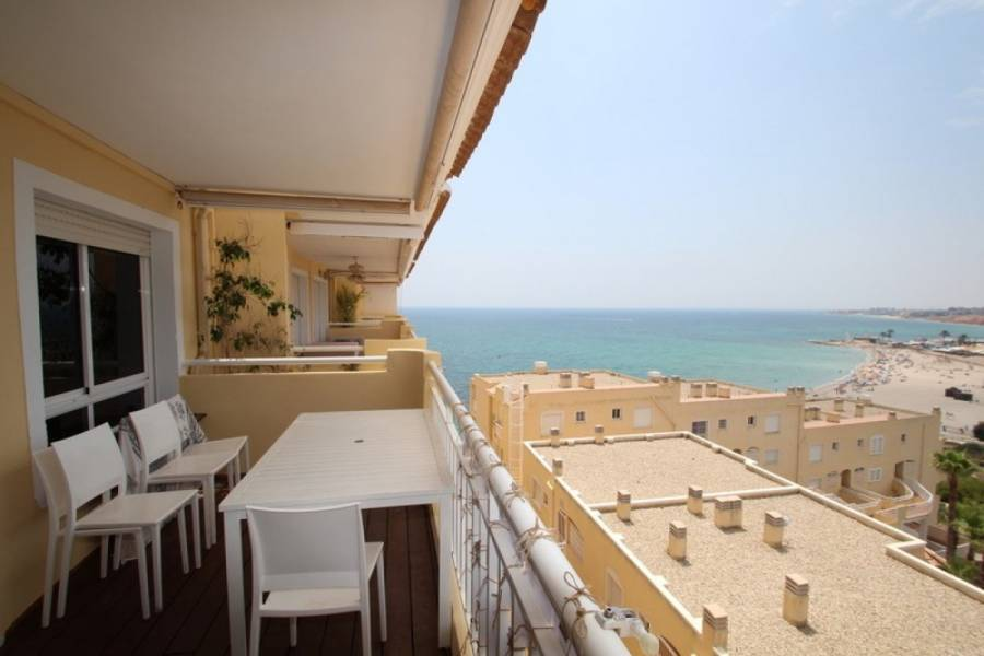 Resale - Apartment - Orihuela Costa - Campoamor