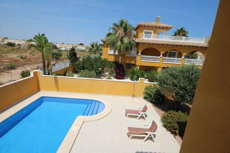 Resale - Detached - Cabo Roig